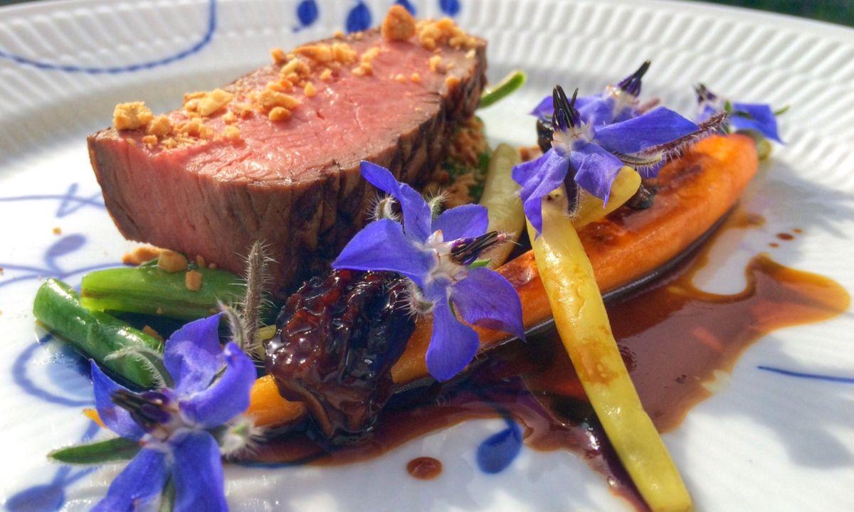 A meal at Mortens Kro (VisitDenmark)