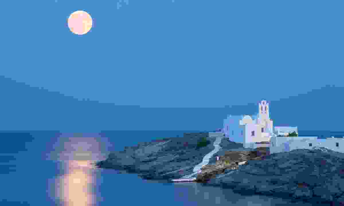 Church of Panagia Chryssopigi in Sifnos (Shutterstock)