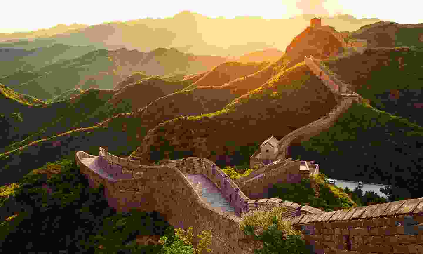 Sunset over the Great Wall of China (Shutterstock)
