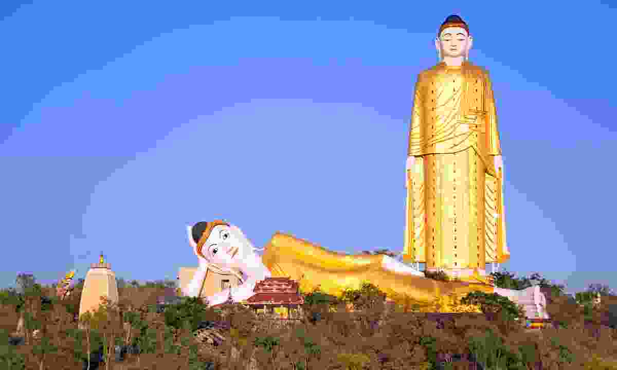 The Great Buddhas of Monywa (Dreamstime)