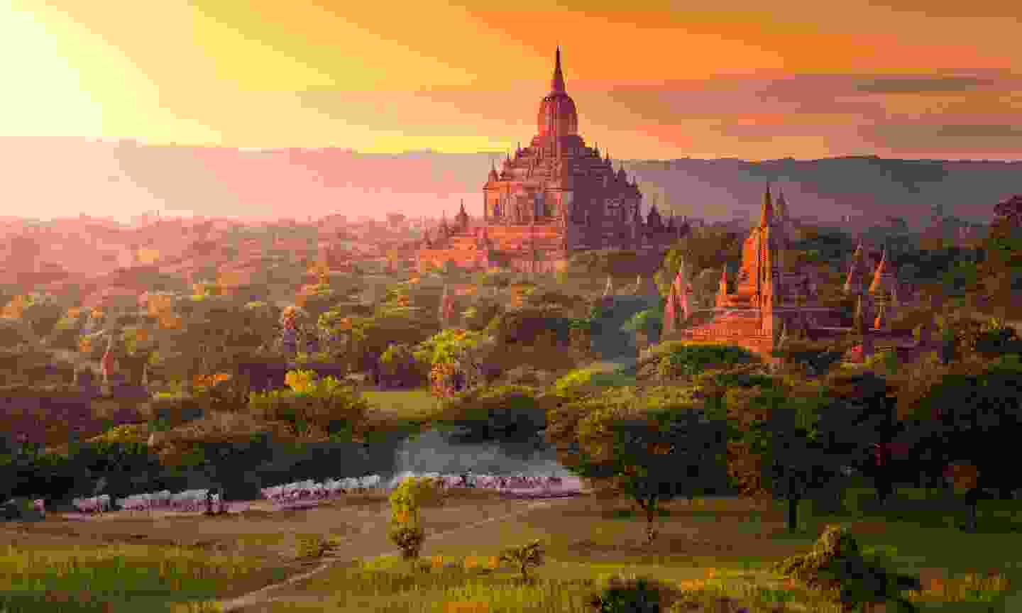 Pagodas on the Plain of Bagan (Shutterstock)