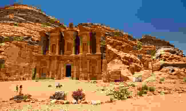 Discover the Monastry via Little Petra (Dreamstime)
