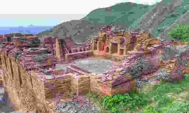 Takht-i-Bhai ruins (Shutterstock)