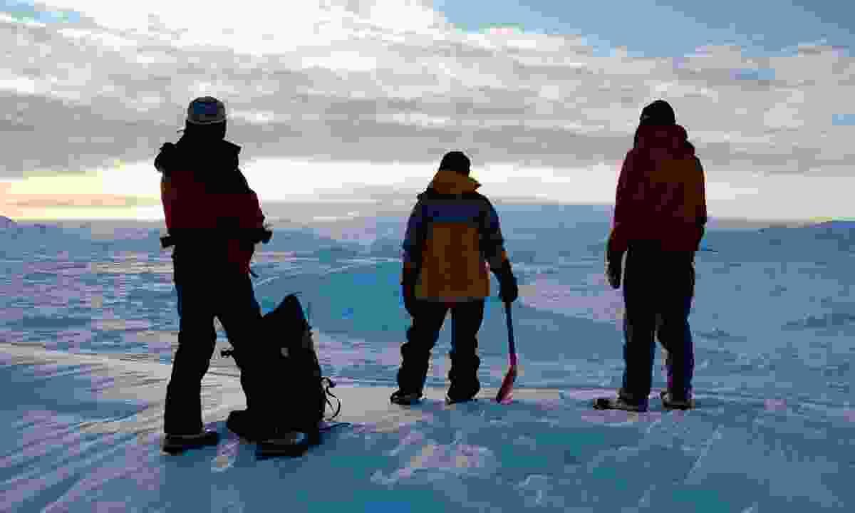 Take precautions when hiking in Greenland (Dreamstime)