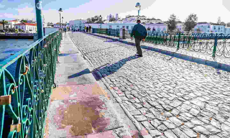 Enter Tavira's old town via the Roman bridge (Shutterstock)