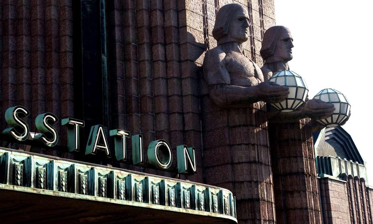 The guardians of Helsinki Central (Dreamstime)