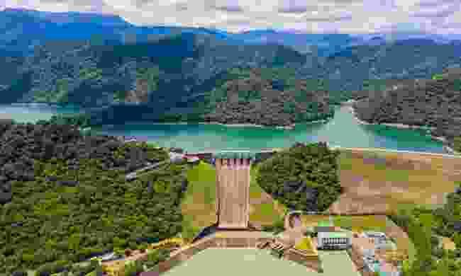 Take a boat across the Shimen Reservoir (Shutterstock)