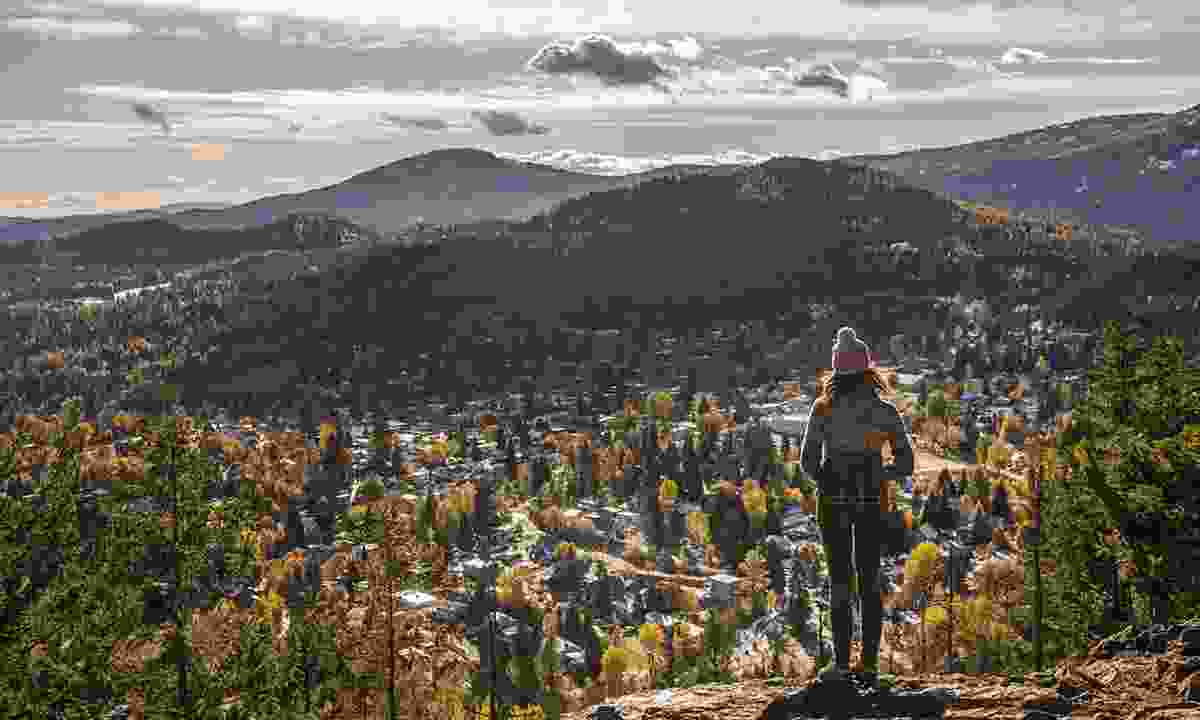 A view of Rossland in the Kootenay Rockies (Destination British Columbia, Kari Medig)