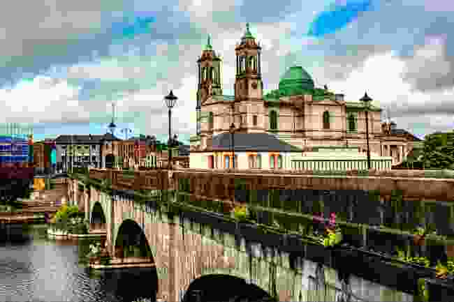 The pretty town of Athlone on the Shannon (Shutterstock)