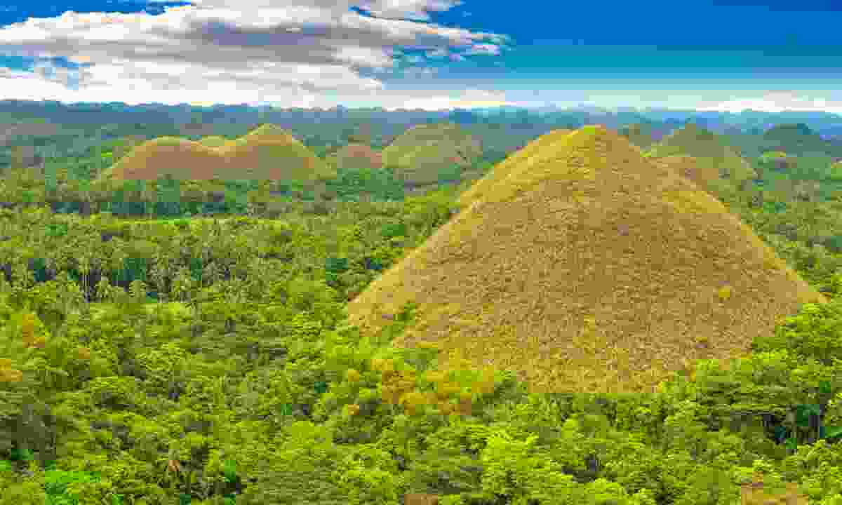 Chocolate hills, The Philippines (Dreamstime)