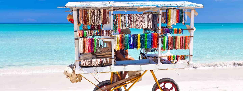 Souvenir cart of Varadero beach (Dreamstime)