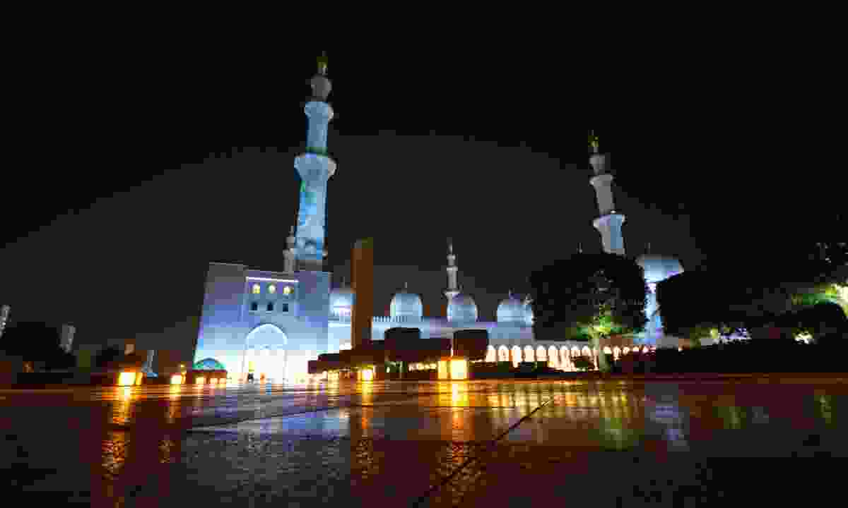 Sheikh Zayed Grand Mosque (Phoebe Smith)