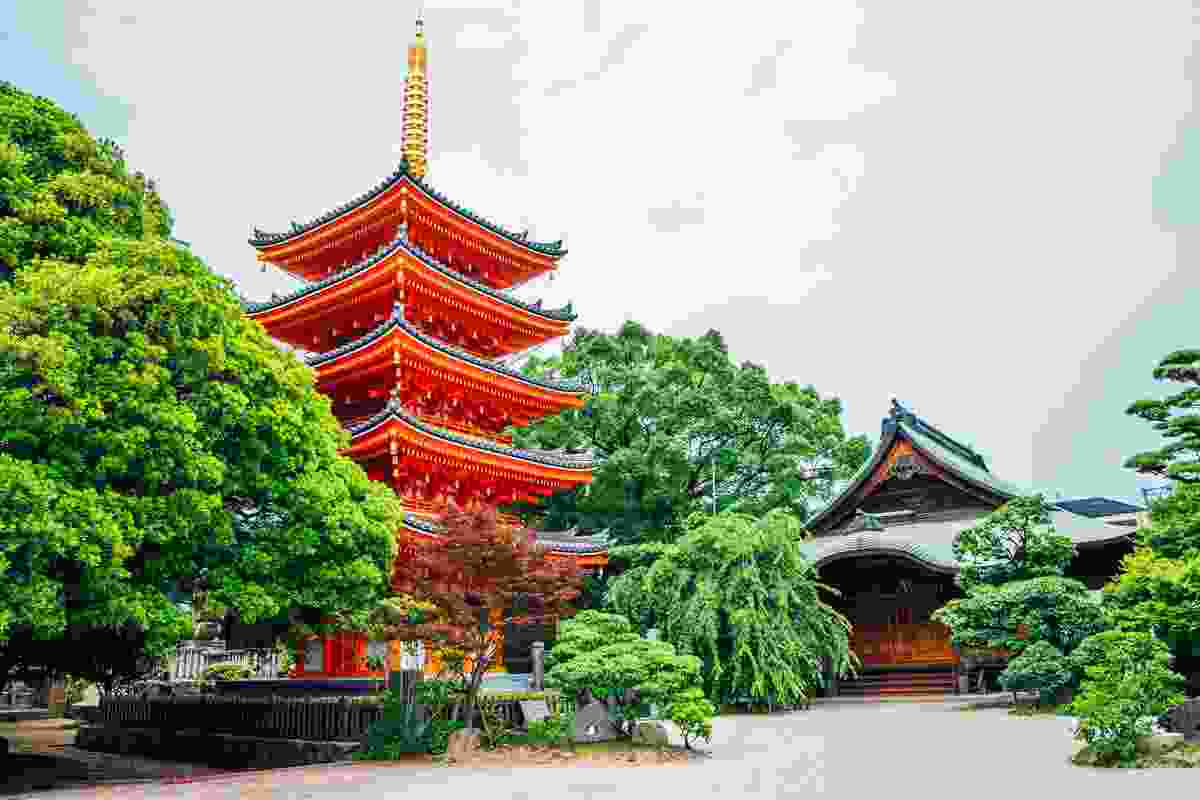 Shingon Buddhist Tocho-ji Temple, Fukuoka, Japan (Shutterstock)