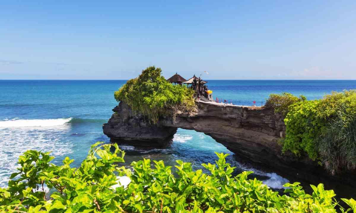 Tanah Lot Temple, Bali (Shutterstock)