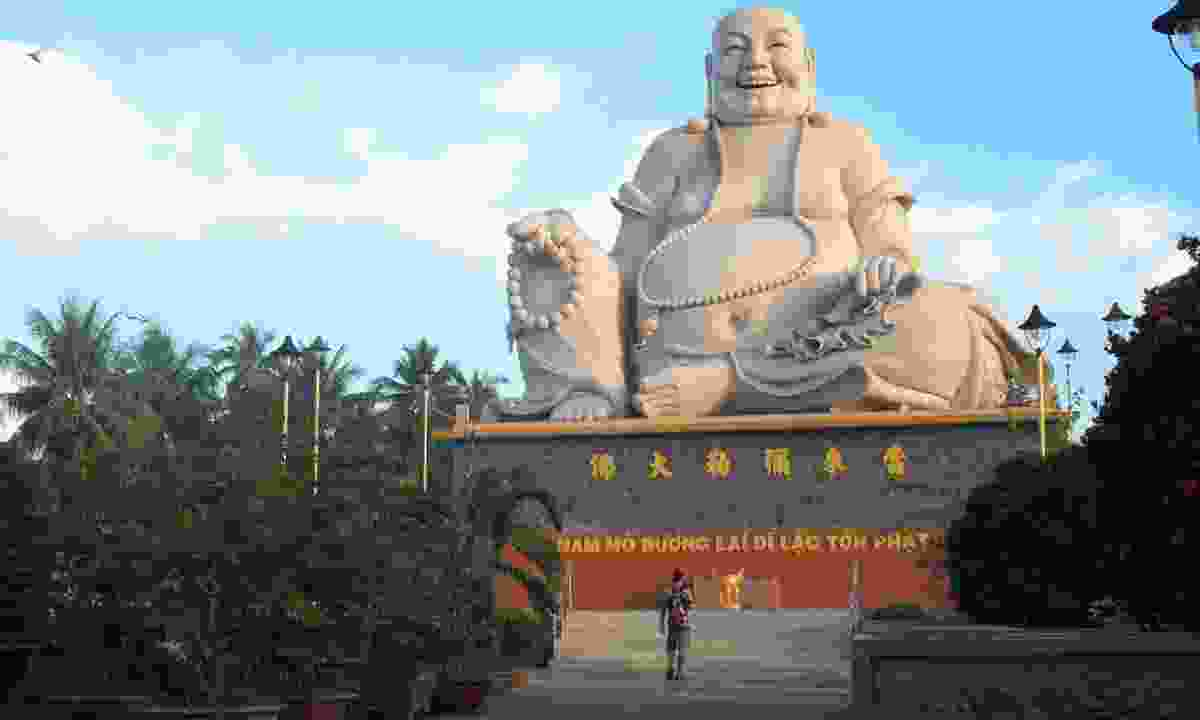 Statue of Bo Dai, Vinh Trang Pagoda (Creative Commons: Milei.vencel)