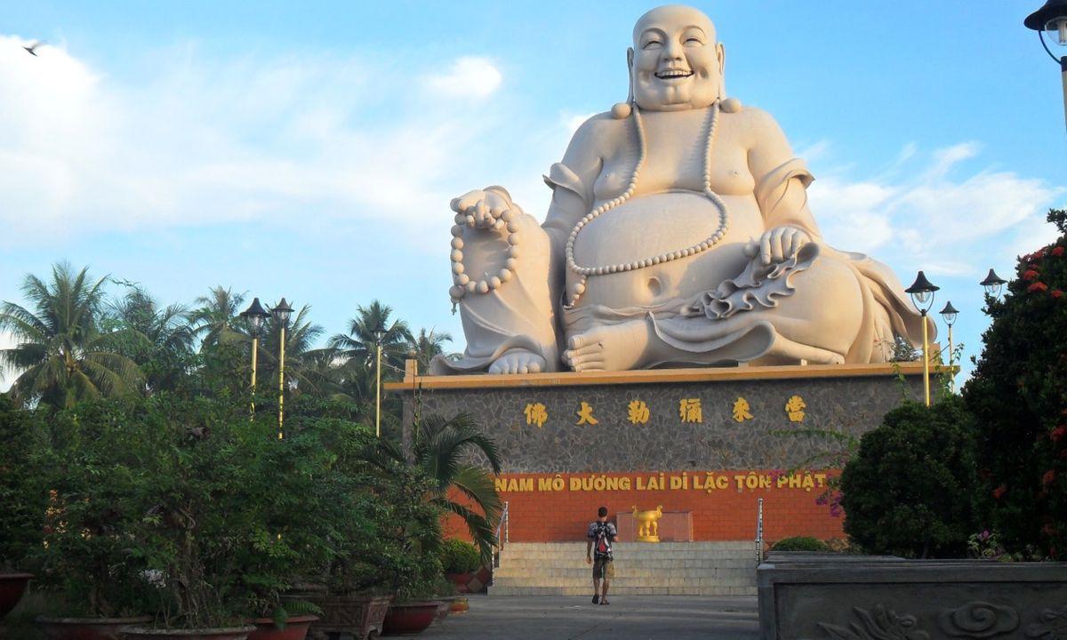 Statue of Bo Dai, Vinh Trang Pagoda (Creative Commons: Milei.vencel)