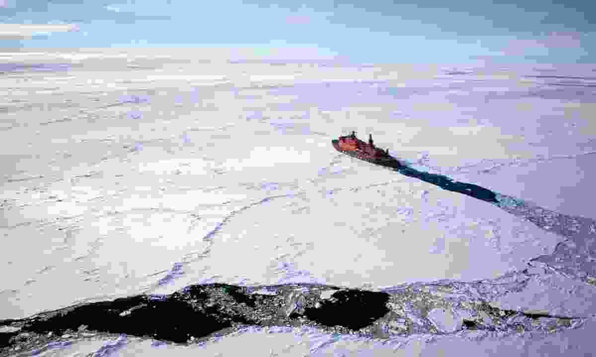 An icebreaker venturing to the North Pole (Sam Crimmin)