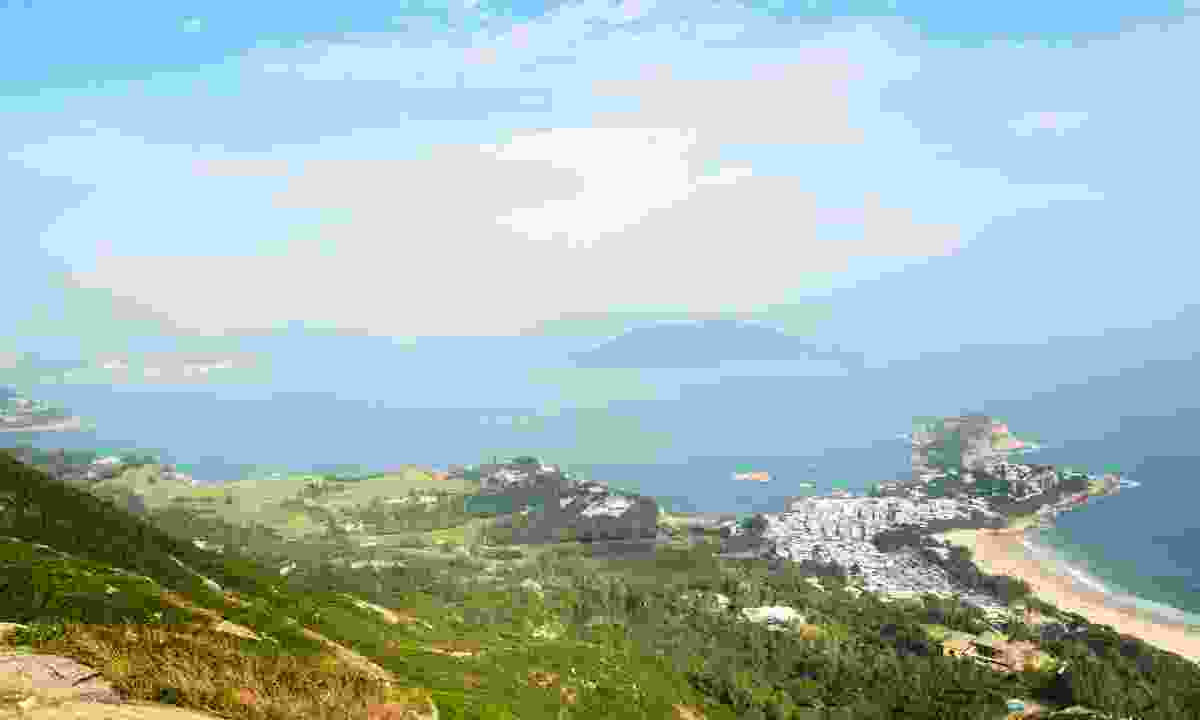 The view from the Dragon's Back (Dreamstime)