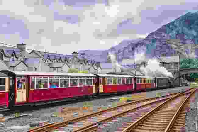 Ffestiniog Railway, Wales (Shutterstock)