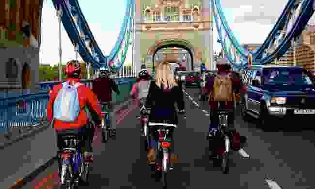 Explore the city on two wheels (Klook)