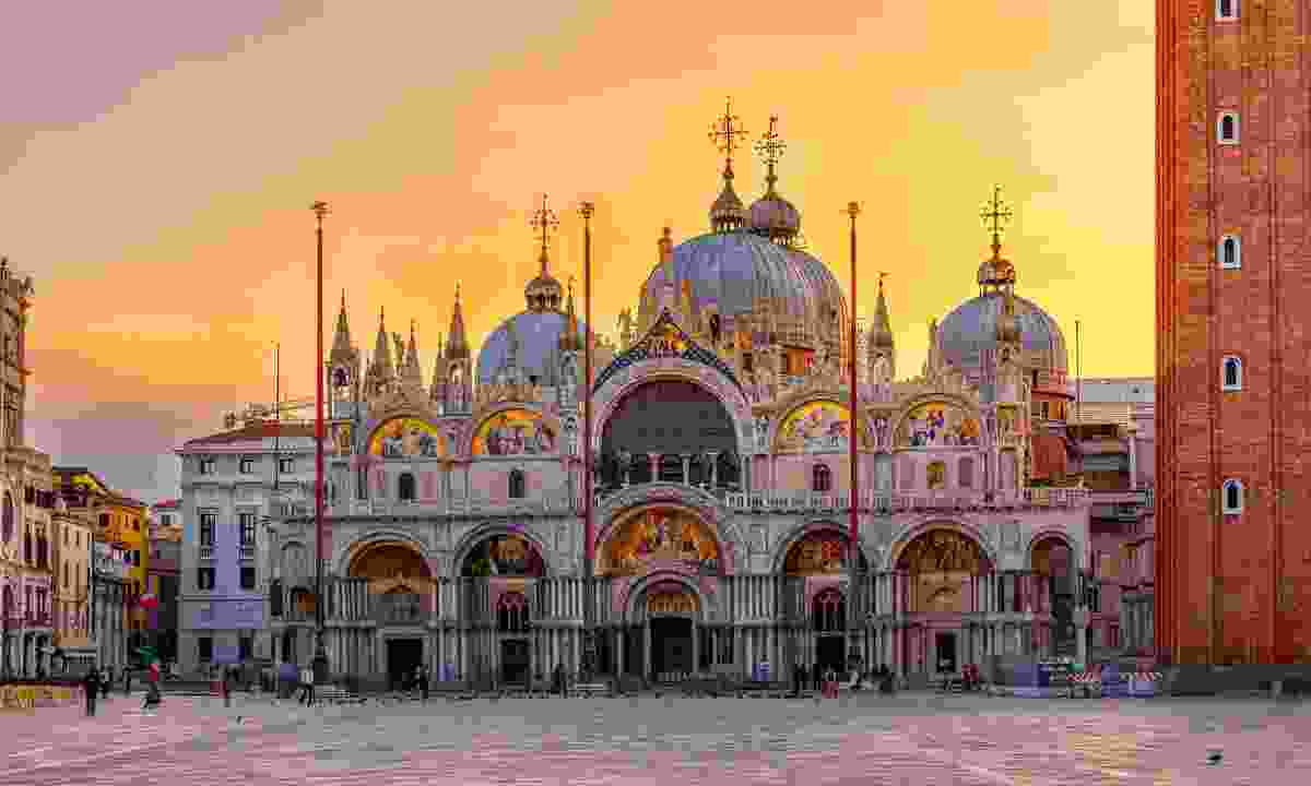 Avoid the crowds at Saint Mark's Basilica by attending Sunday mass (Shutterstock)