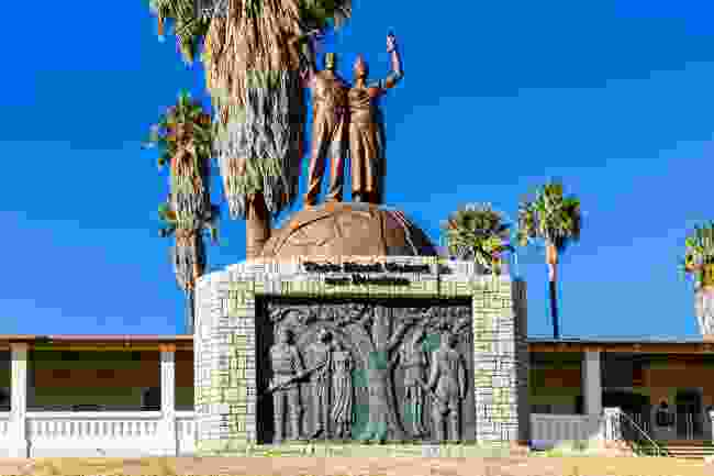 Genocide Memorial Statue in front of the Independence Memorial Museum (Shutterstock)