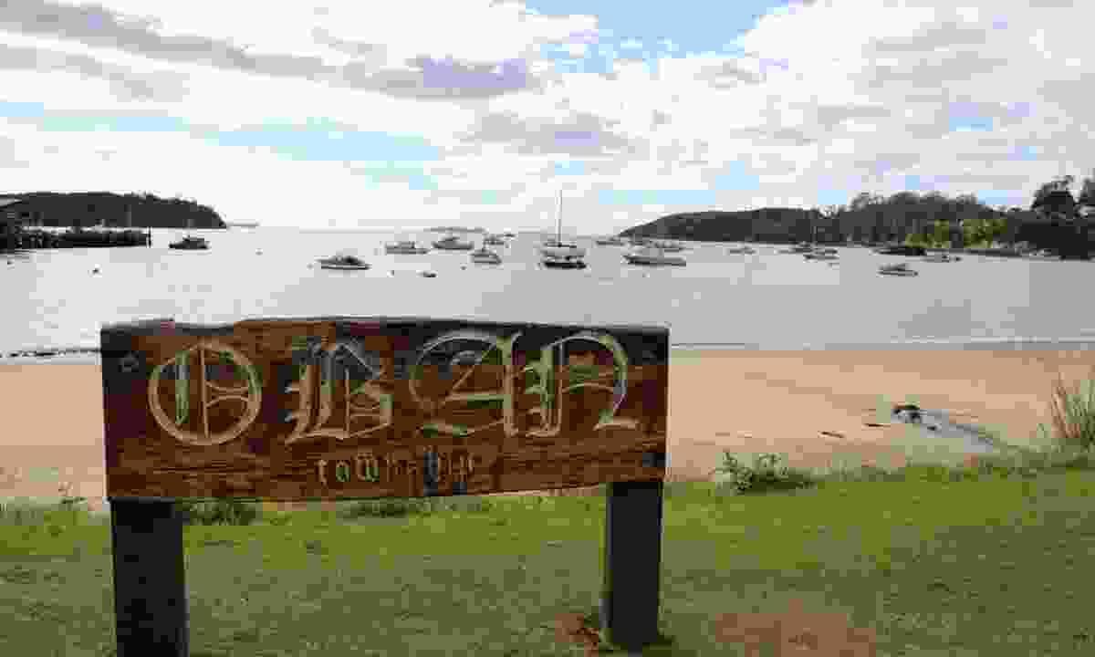 Oban, Stewart Island sign (Phoebe Smith)