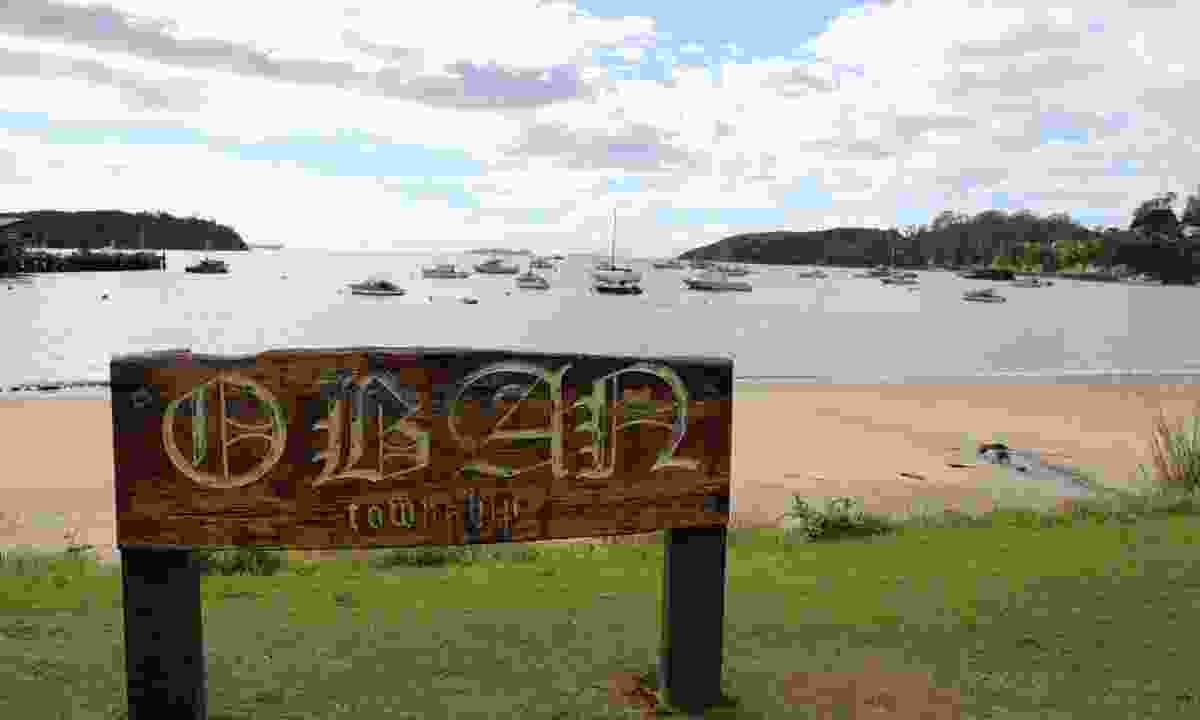 Oban, Stewart Island sign (Phoebe Smith)