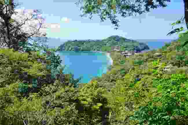 Surf around Peninsula Papagayo, Costa Rica (Shutterstock)