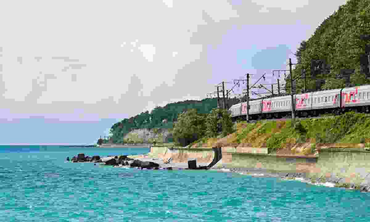 Train drive along the Black Sea Coast (Dreamstime)