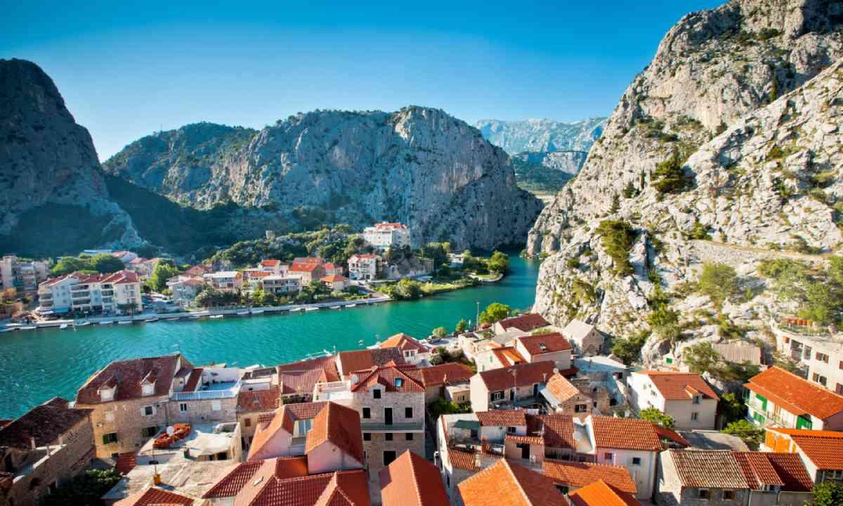 Omis, Croatia (Shutterstock)