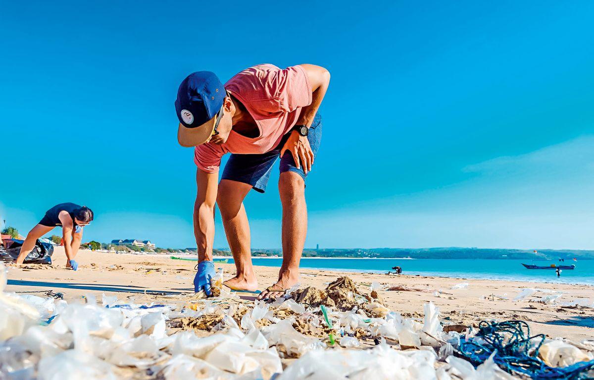 10 Ways to Avoid Single-Use Plastics on Your Travels