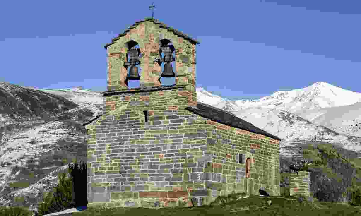 Roman Church of Hermitage of San Quirce de Durro (Dreamstime)