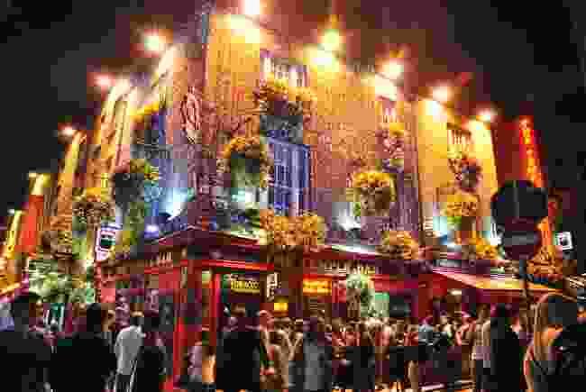 Dublin pub, Ireland. (Shutterstock)