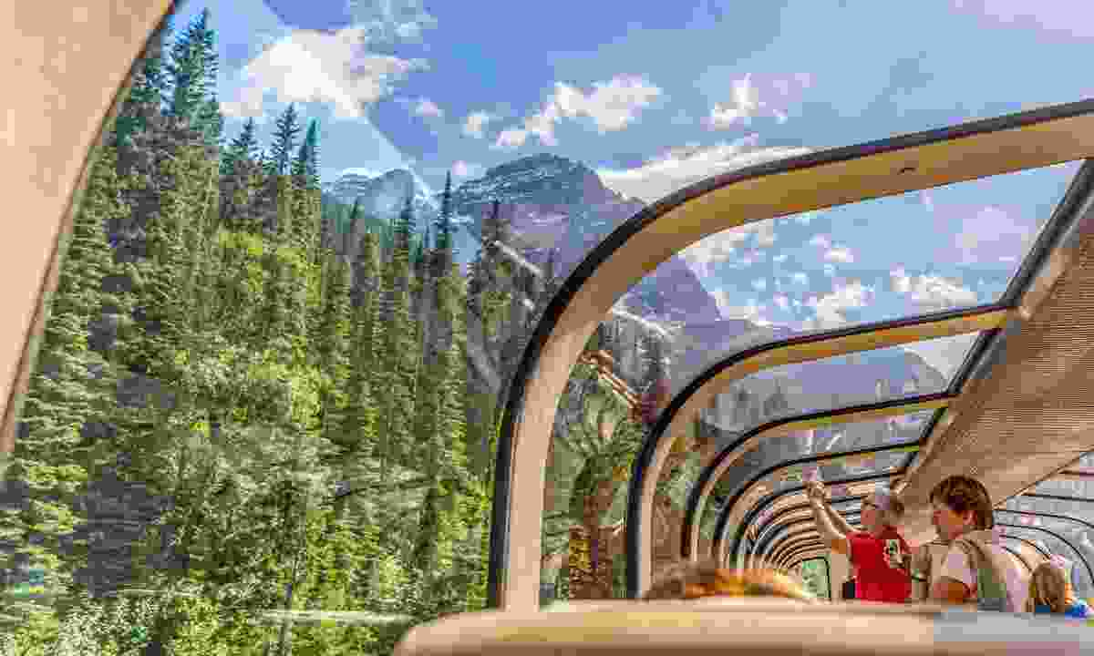 Rocky Mountaineer train travelling through the Rocky Mountains (Shutterstock)