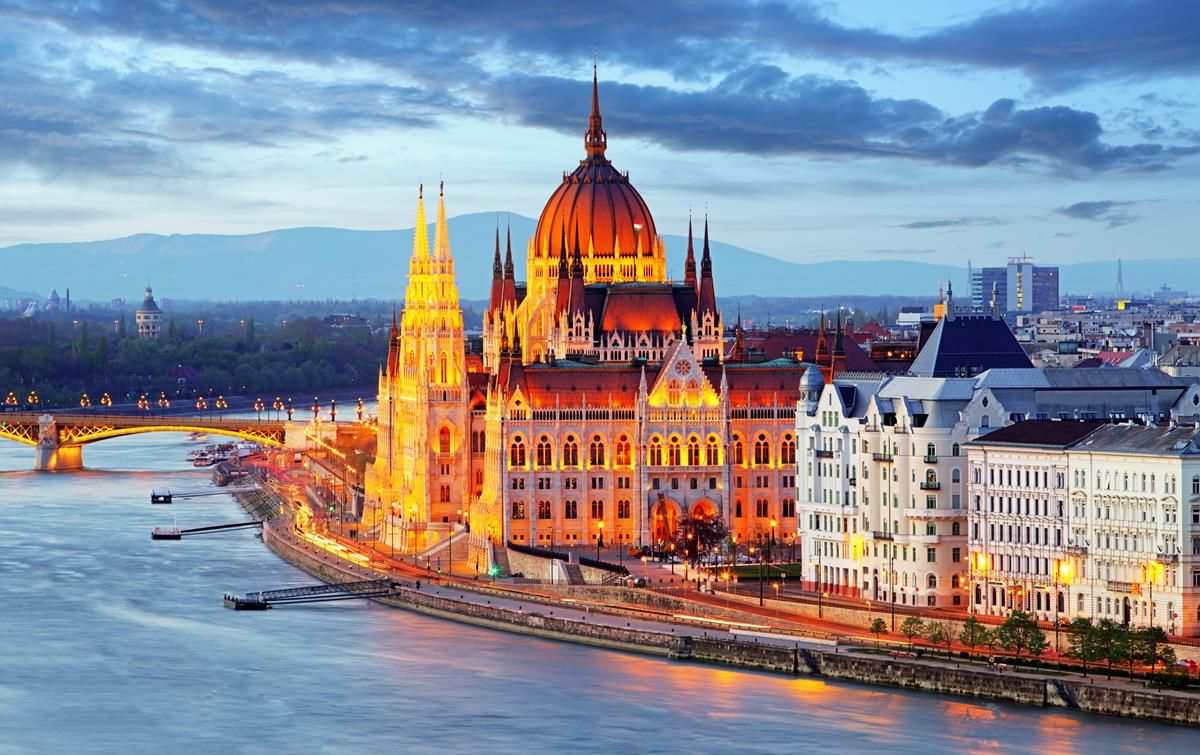 Hungary Adventure Guide (Adventure Guides)