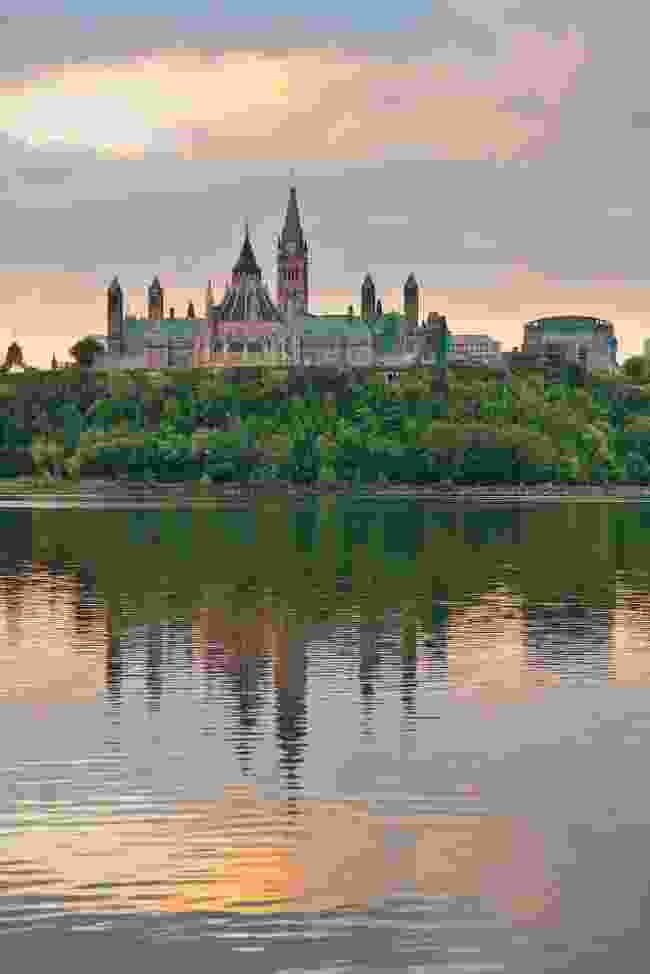 Ottawa city skyline at sunrise (Shutterstock)