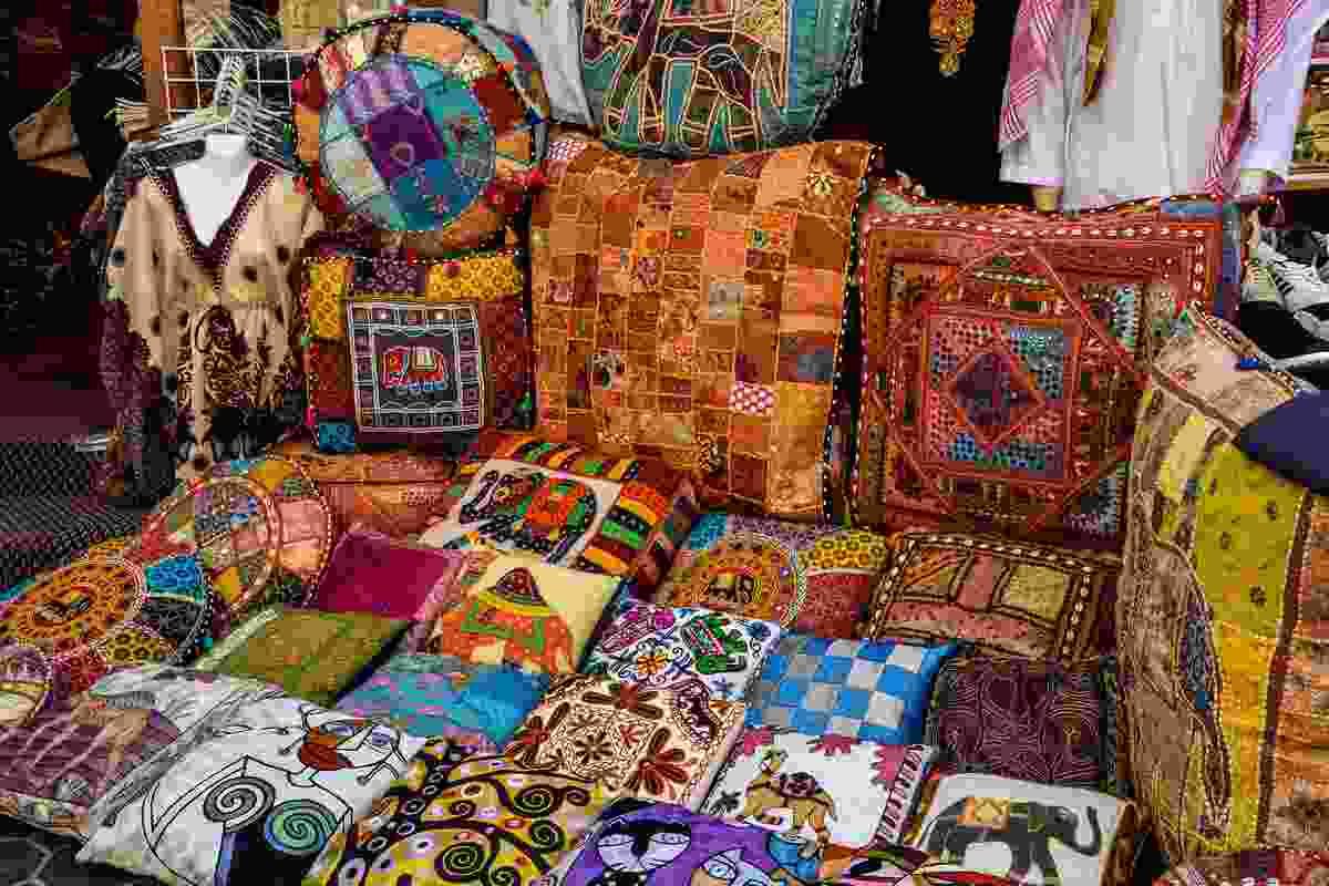 Textile Souk in Bur Dubai neighbourhood (Shutterstock)