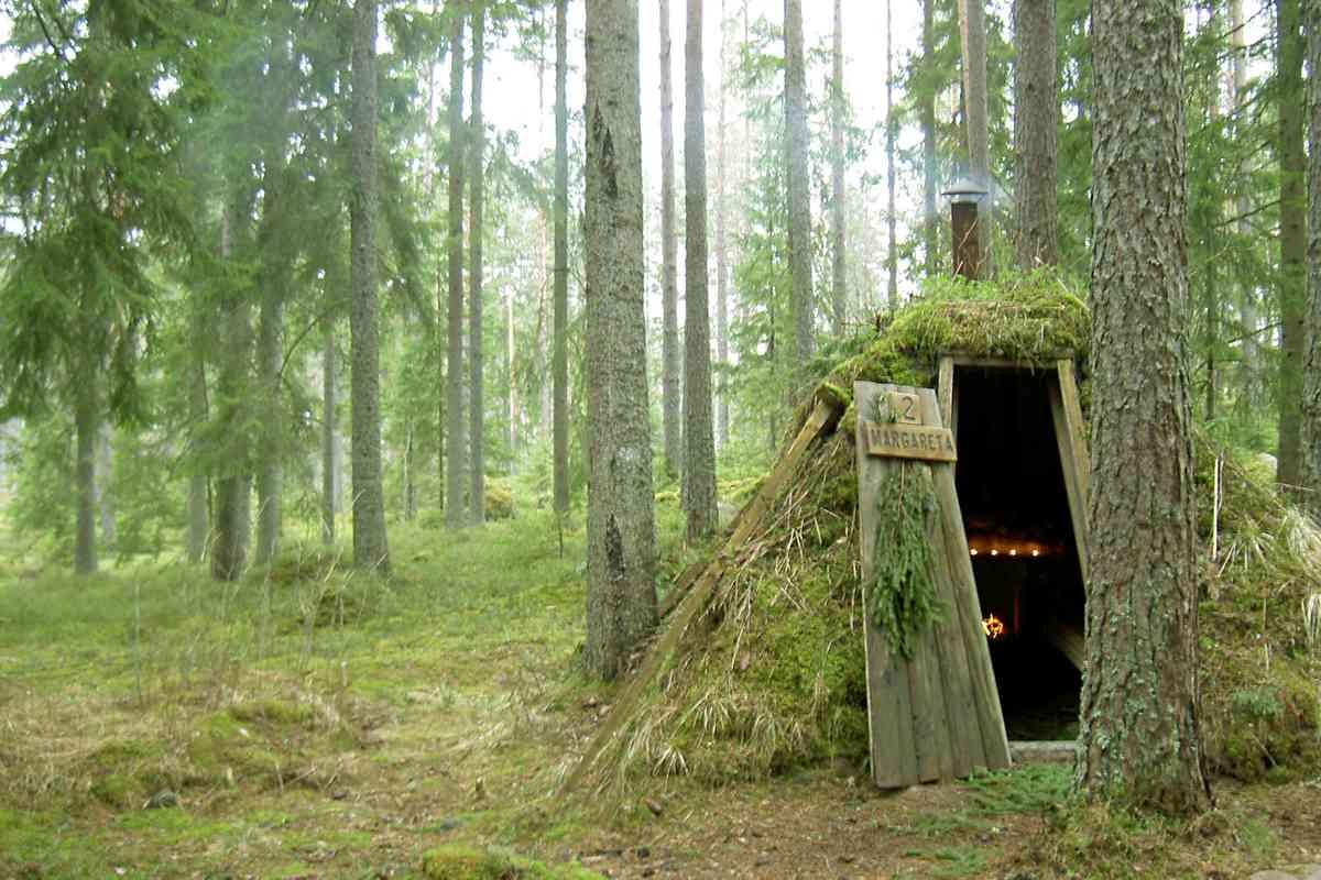 Kolarbyn Ecolodge. (Wild Sweden)