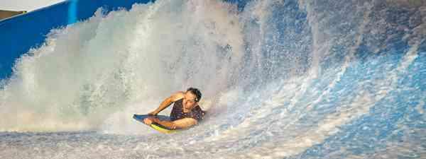 Surfing in the UAE (Shutterstock)