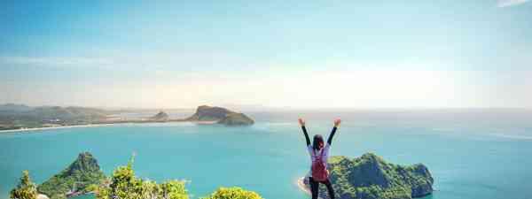 A happy traveller in Thailand (Shutterstock)