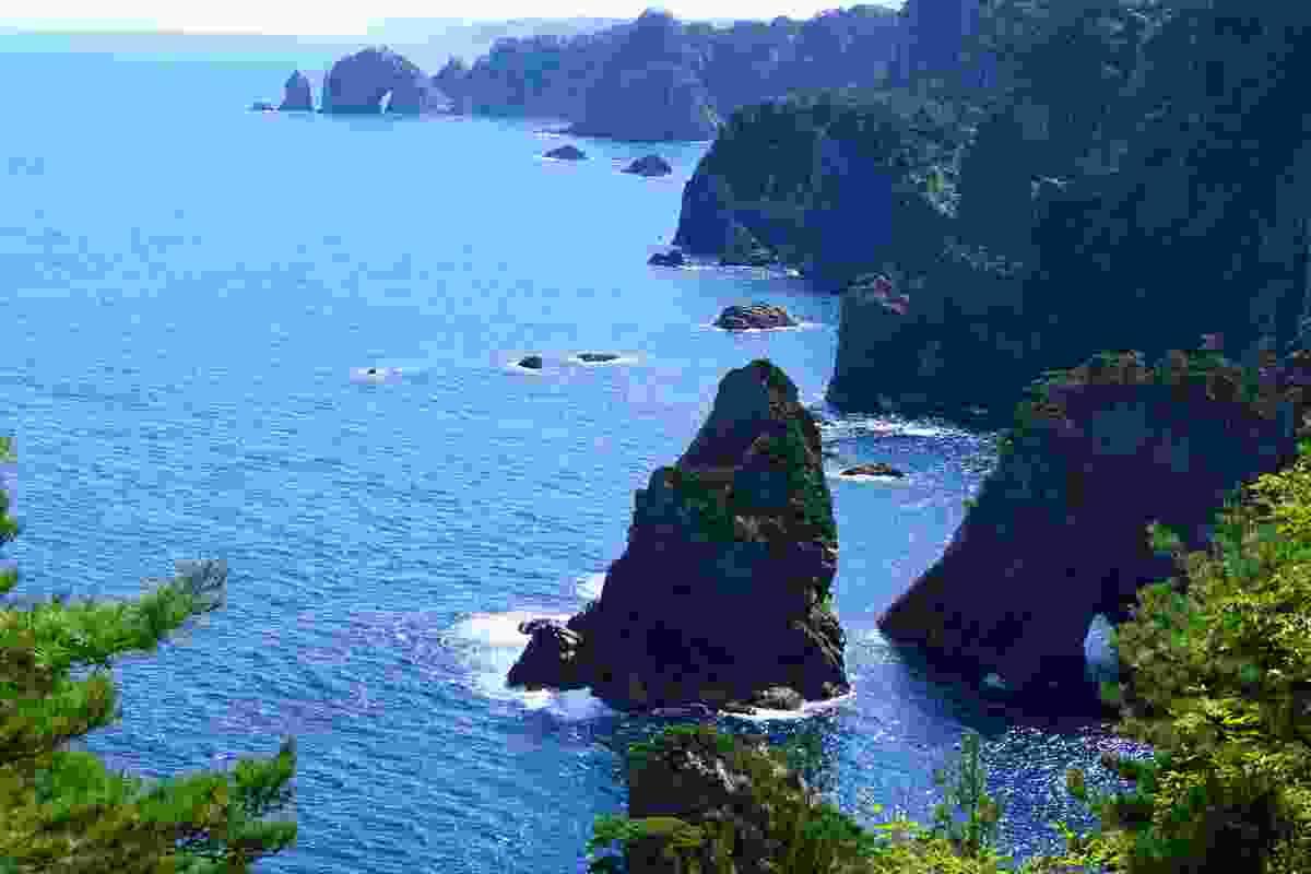 The view of Kitayamazaki Cliffs, near Kamaishi, Iwate Prefecture, Japan (Shutterstock)