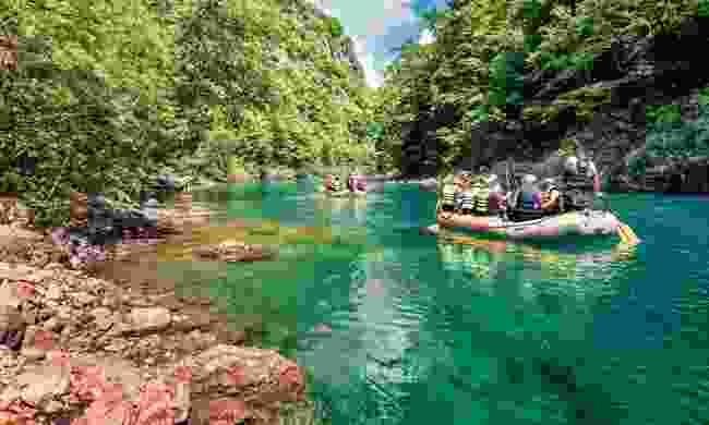 Rafting in Tara Canyon (Shutterstock)