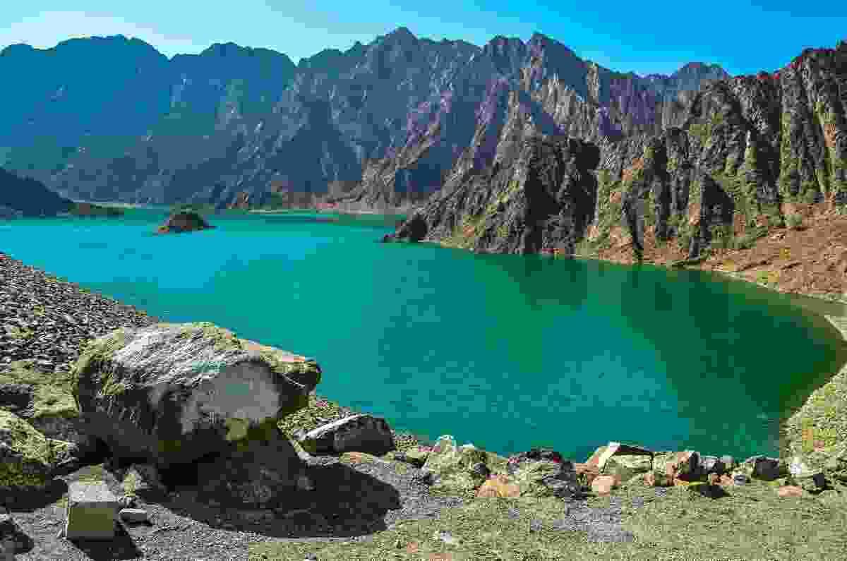 The Green Lake in Hatta Mountains (Shutterstock)