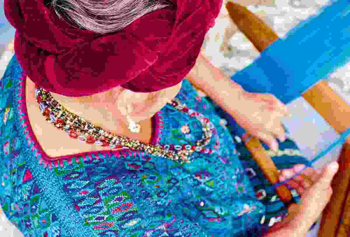 Weaving traditional huipils (Sarah Gilbert)