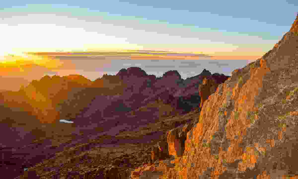 A beautiful sunset from the peak of Mount Kenya (Dreamstime)