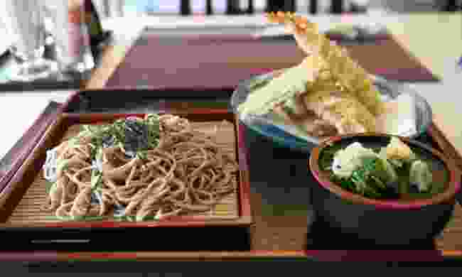 Soba noodles with tempura and dipping sauce
