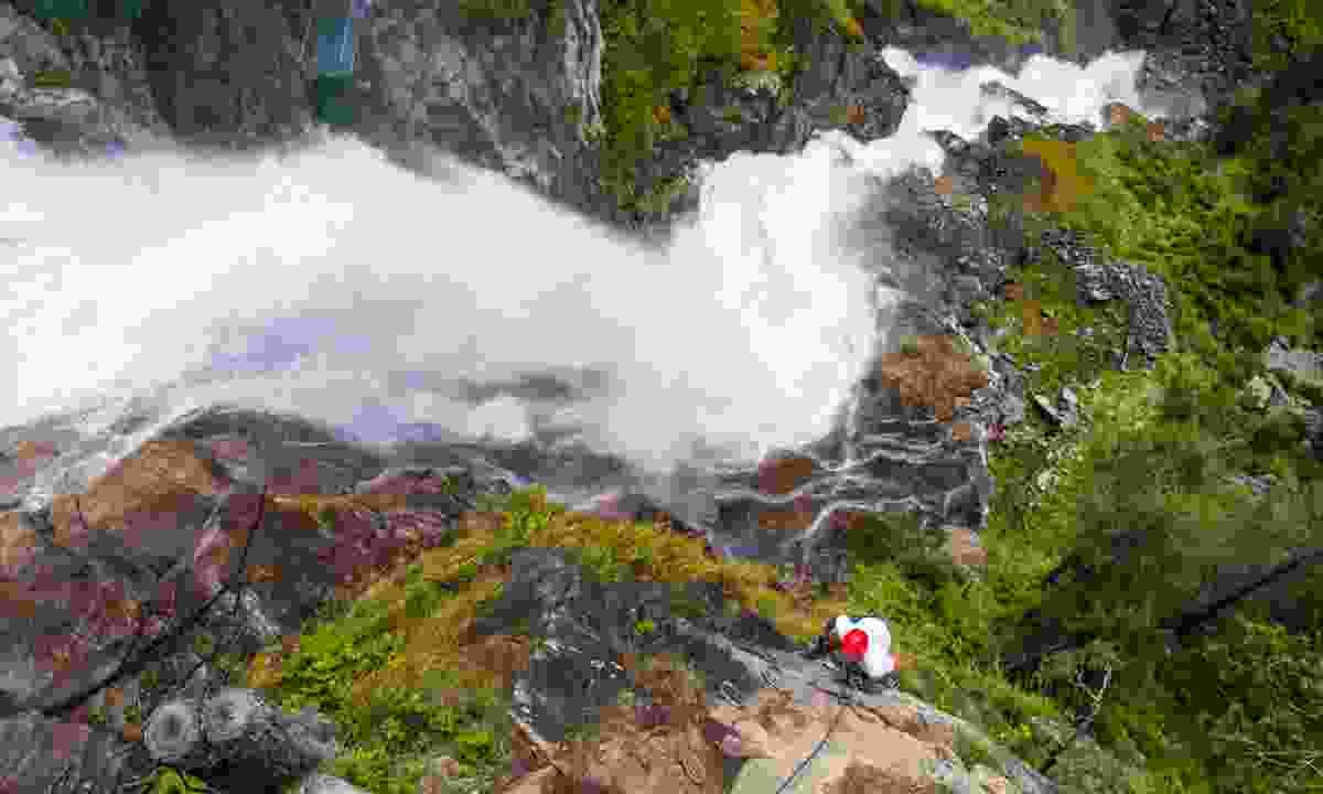 Climbing the Stuiben Waterfall in Ötztal (Dreamstime)