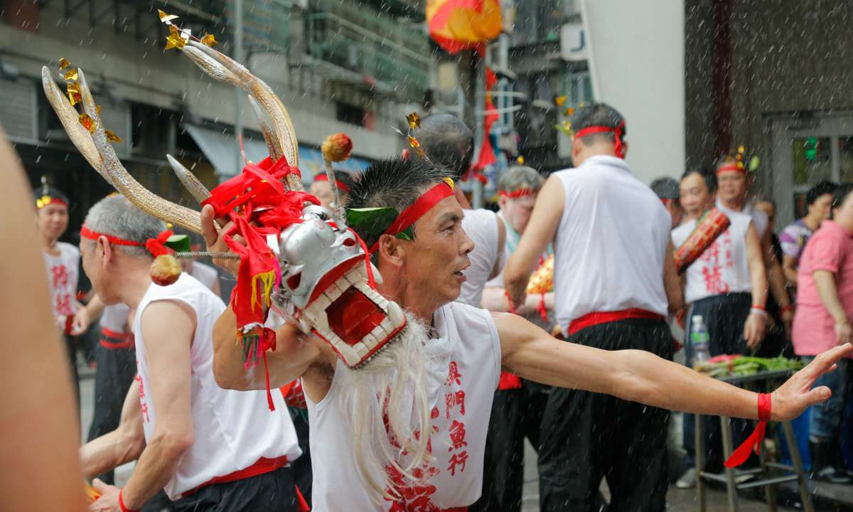 The feast of the Drunken Dragon (Macao Government Tourism Office)