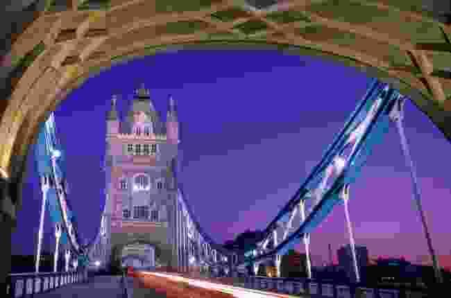 Tower bridge at dawn (Steve Vidler)